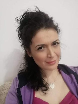 Марина Постоловић
